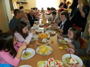 Společný oběd ve sboru